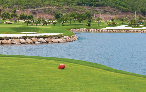 diamond-bay-golf-club-nha-trang
