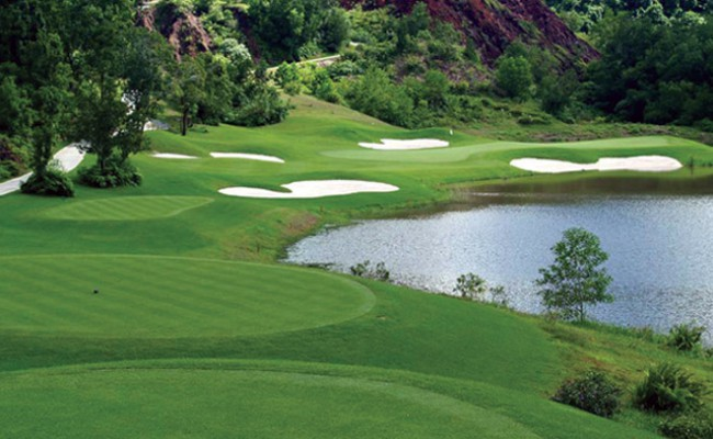 red-mountain-golf-club-phuket