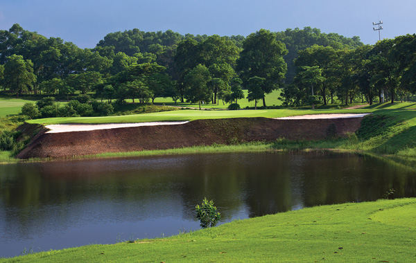 sky-lake-golf-club-vietnam-2