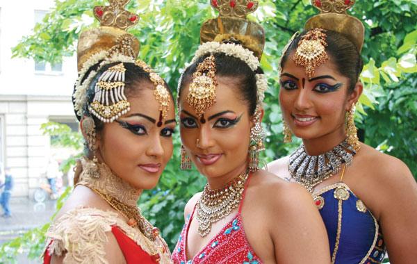 sri-lanka-cultural-dress
