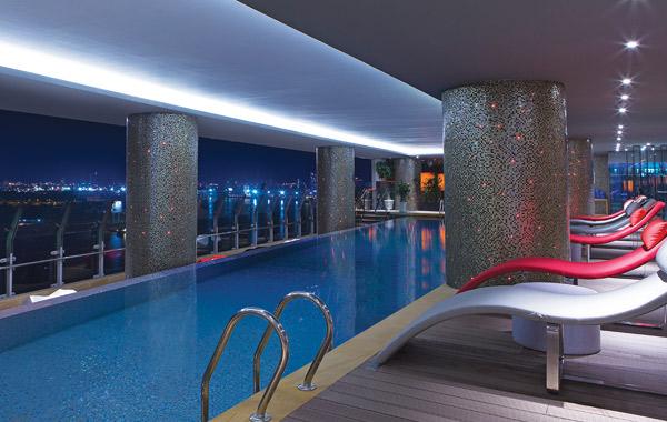 le-meridien-hotel-pool-saigon