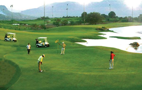 golden-greens-golf-club-delhi-india