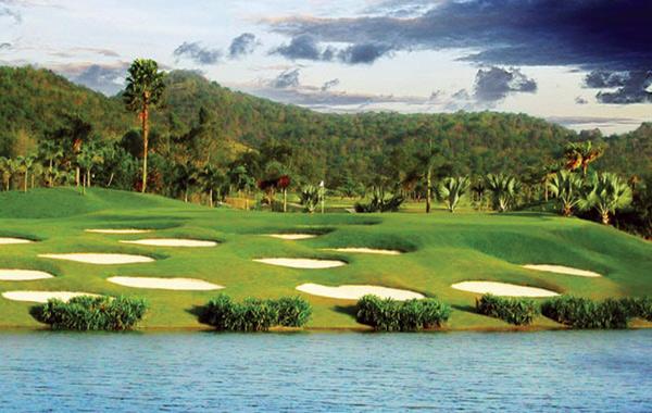 st-andrews-2000-golf-club