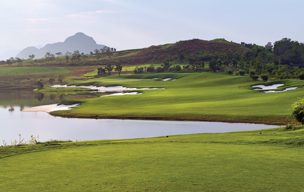 sky-lake-golf-club-vietnam-1