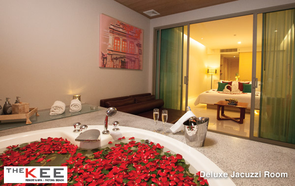 kee-resort-deluxe-jacuzzi-room