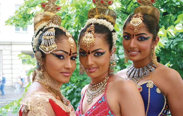 sri-lanka-cultural-dress