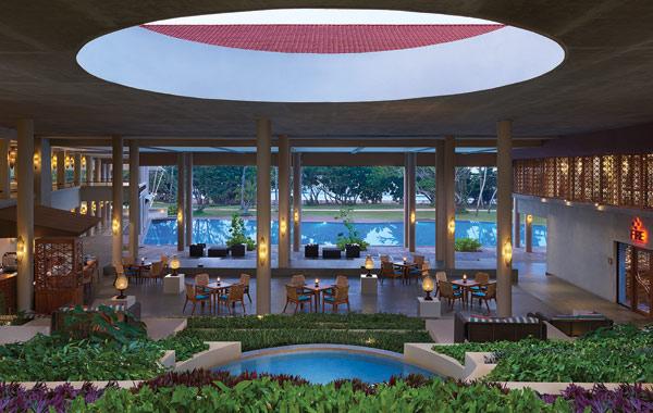 cinnamon-bey-beruwala-hotel-lobby