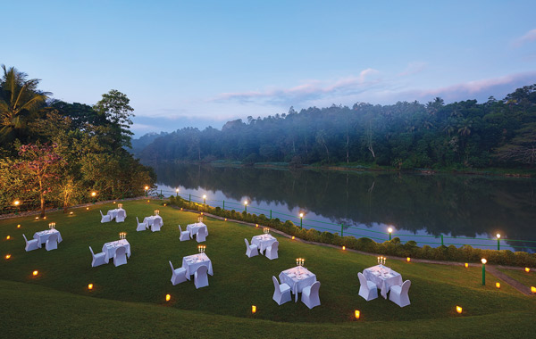 cinnamon-citadel-kandy-hotel-outdoor-dining
