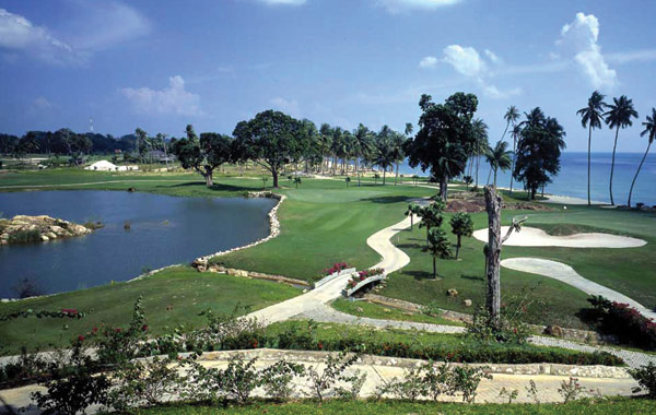 palm-springs-country-club-batam-1